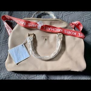Michael kors tote/carry on NEW